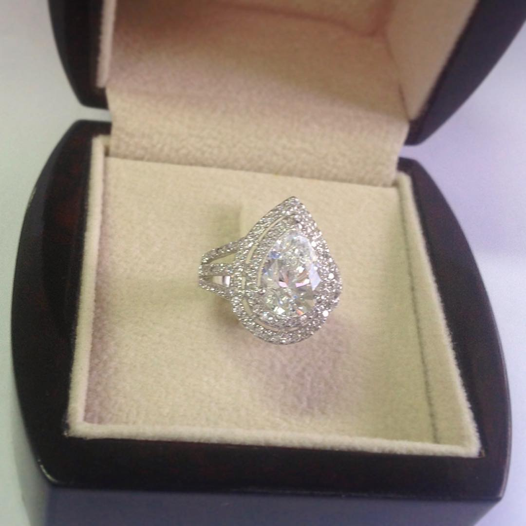 sparkling pear diamond ring design