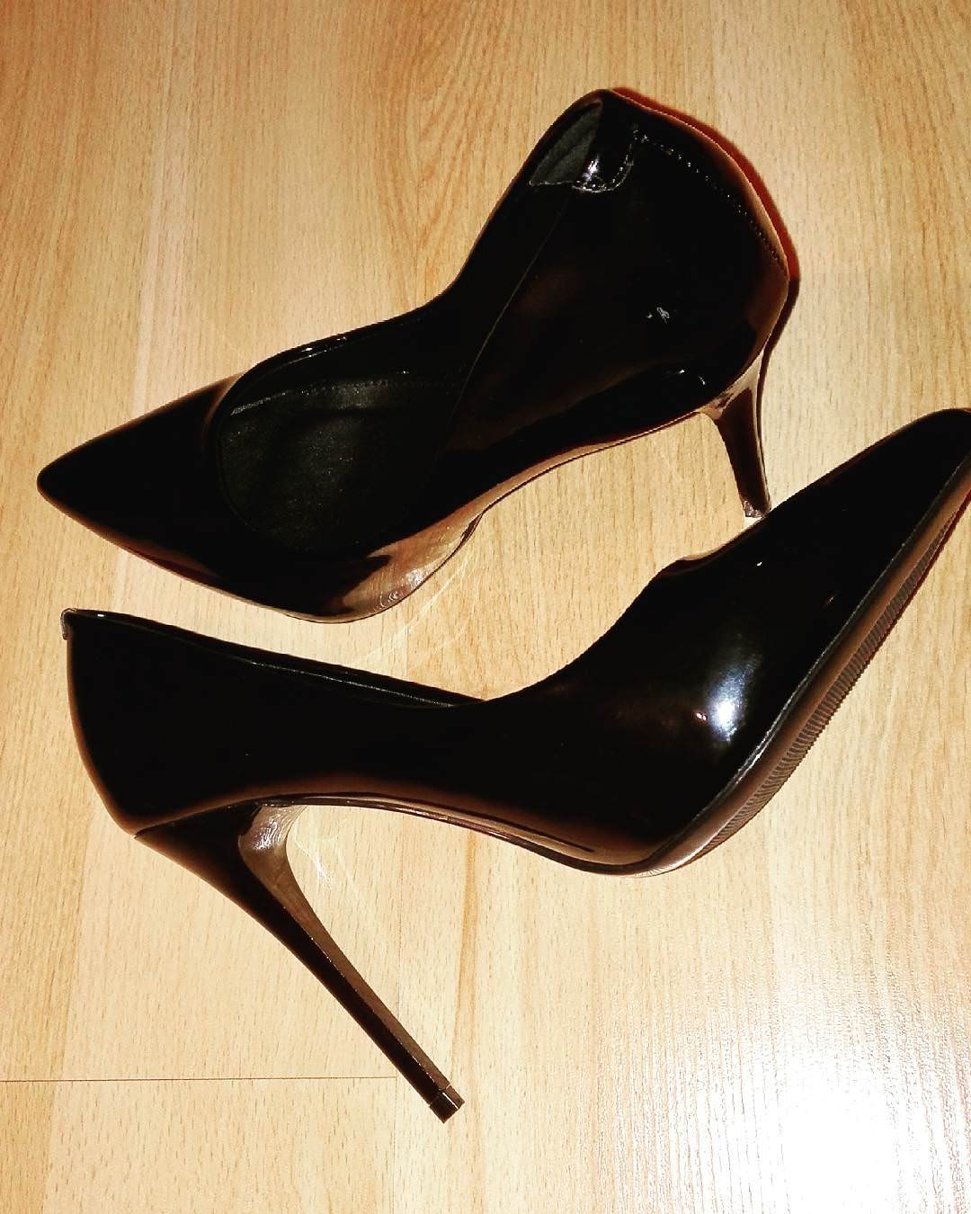 awesome black heels for parties