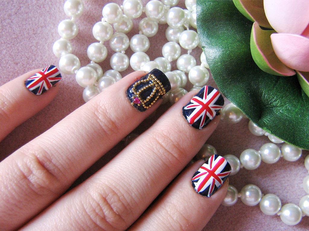 royal wedding nail design