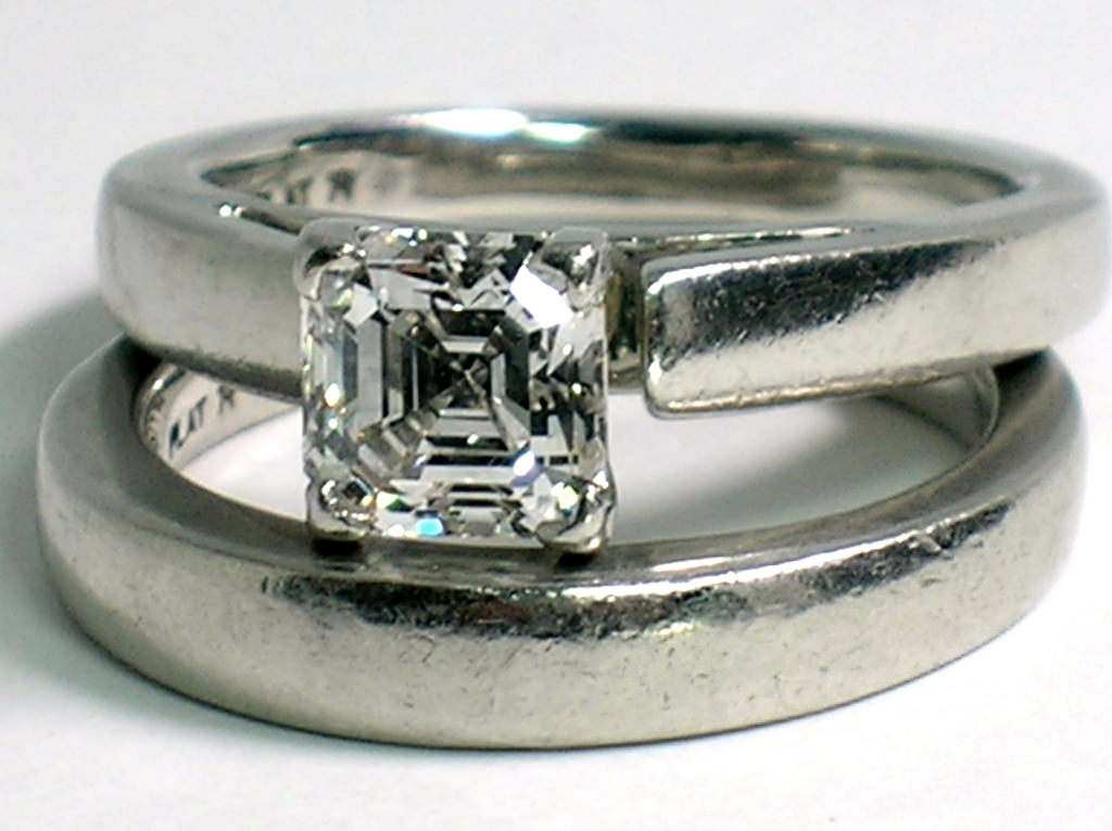 stylish square diamond ring
