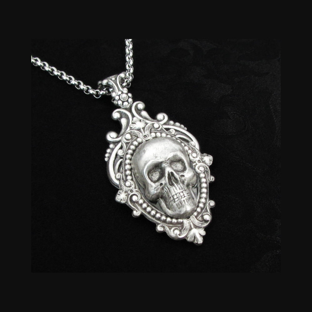 Cool Sliver Skull Necklace