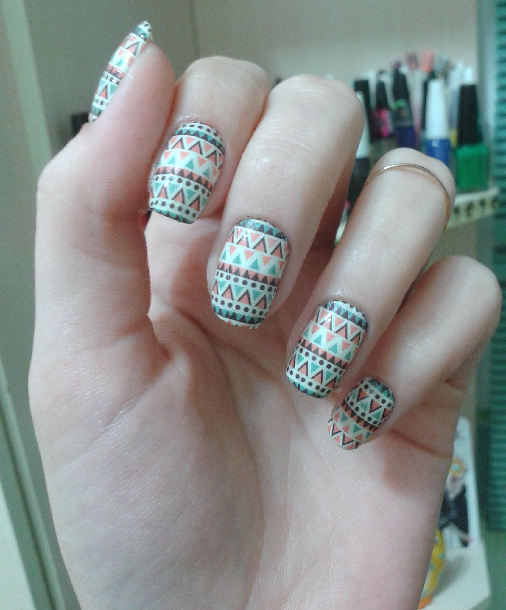 Tribal Design on Pritty Nails