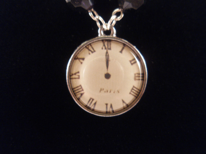 Stylish Midnight clock Morbid Necklace
