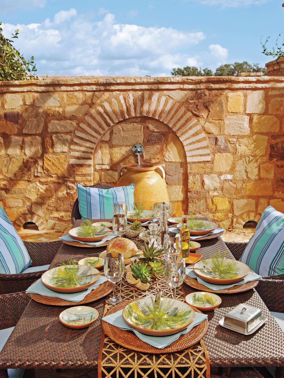 Restaurant Outdoor Decoration : Wall decor designs ideas for dining room design