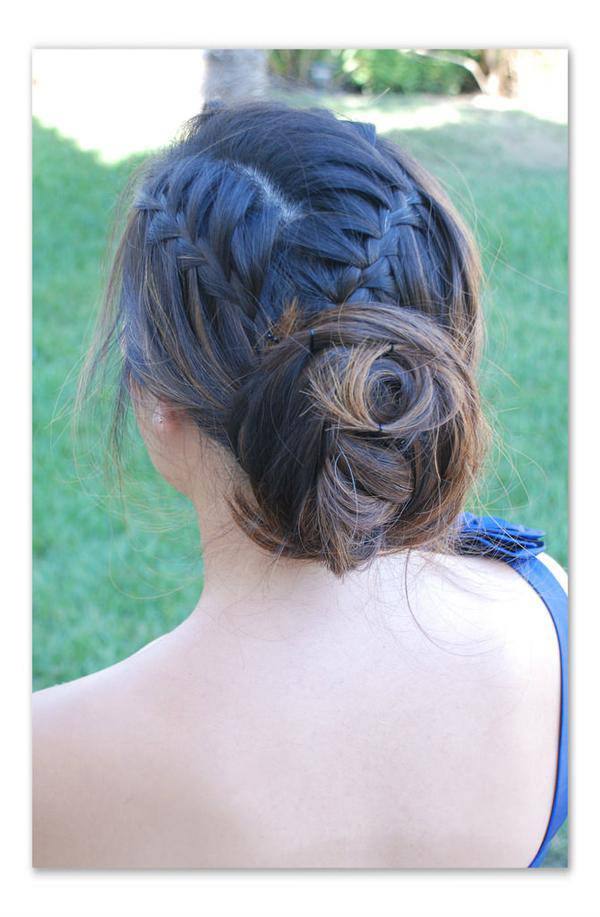 updo-hairstyle-for-long-hair