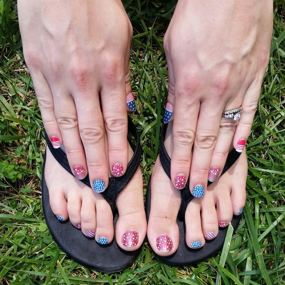 patriotic design on nails