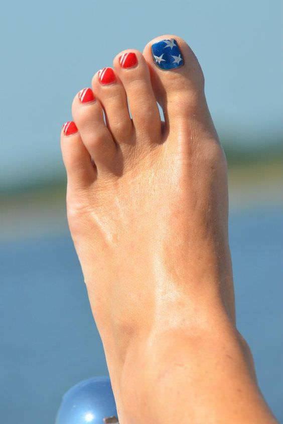 nice toe patriotic design
