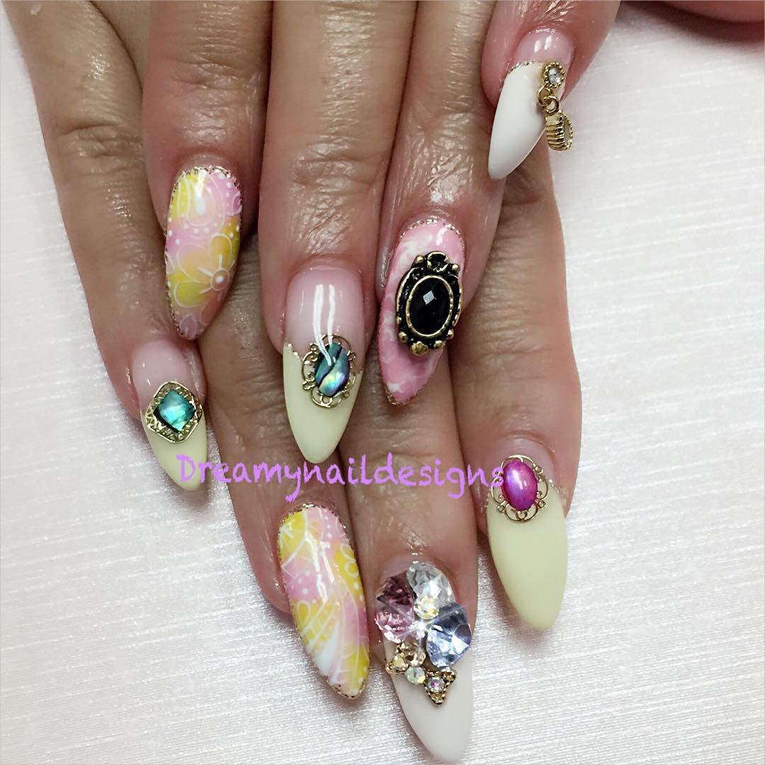 pretty 3 d nail designs