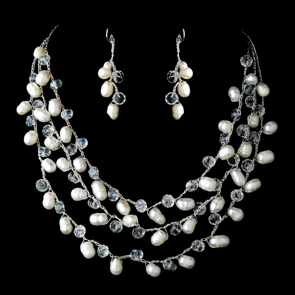 Glittering Pearl Prom Necklace