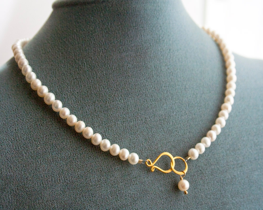 Stylish Pearl Prom Necklace