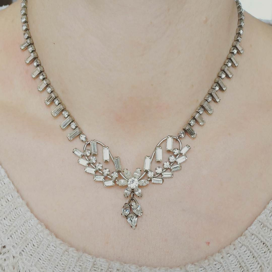 vintage style prom necklace