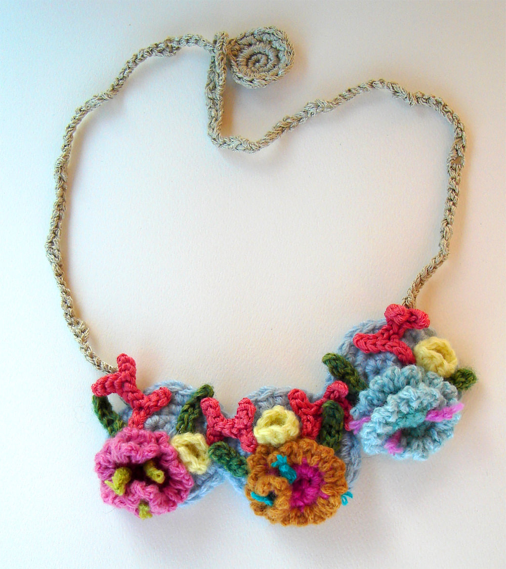 Awesome Varies Color Tropical Necklace