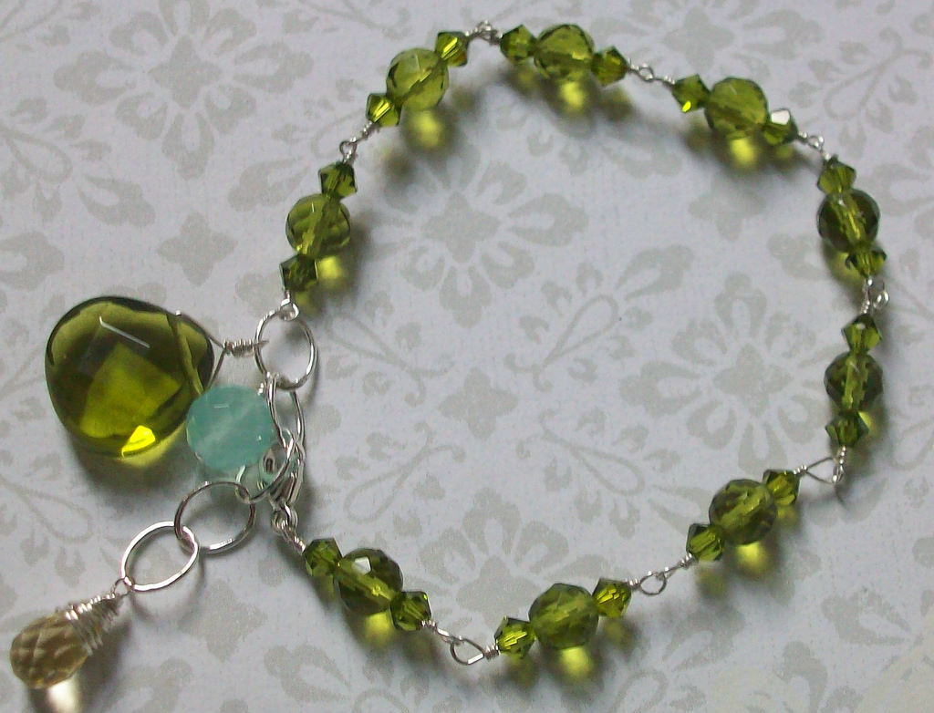 Stunning Green Color Tropical Bracelet