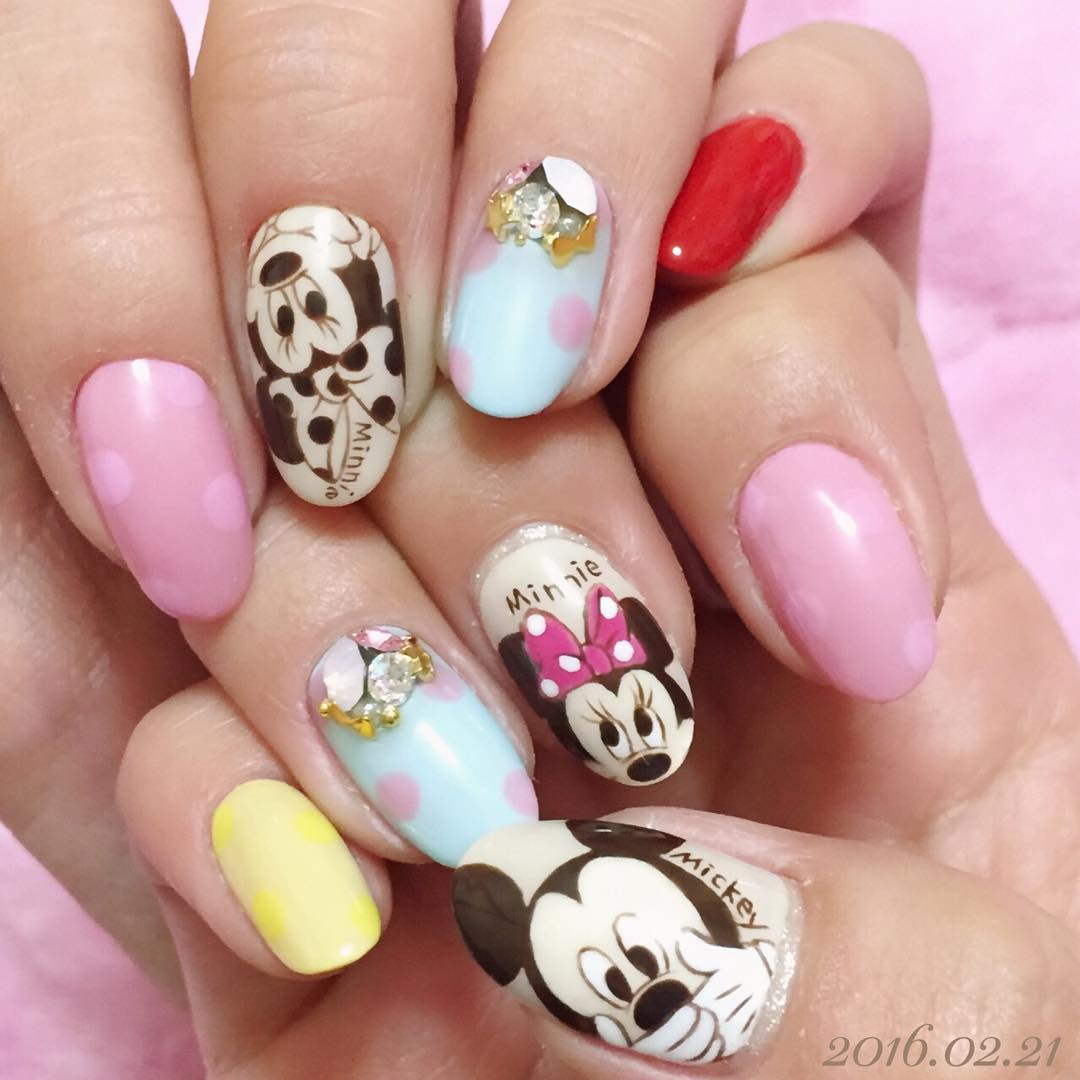 26 disney nail art designs ideas design trends premium psd minnie and mickey nail art prinsesfo Image collections