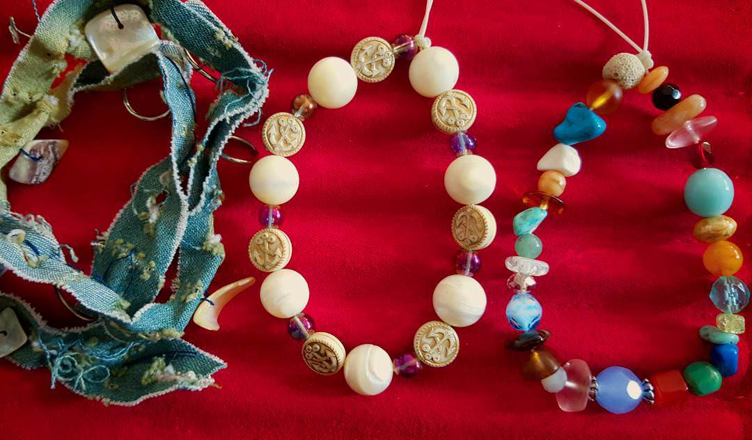 Cool Beach Seashell and Beads Tropical Necklace