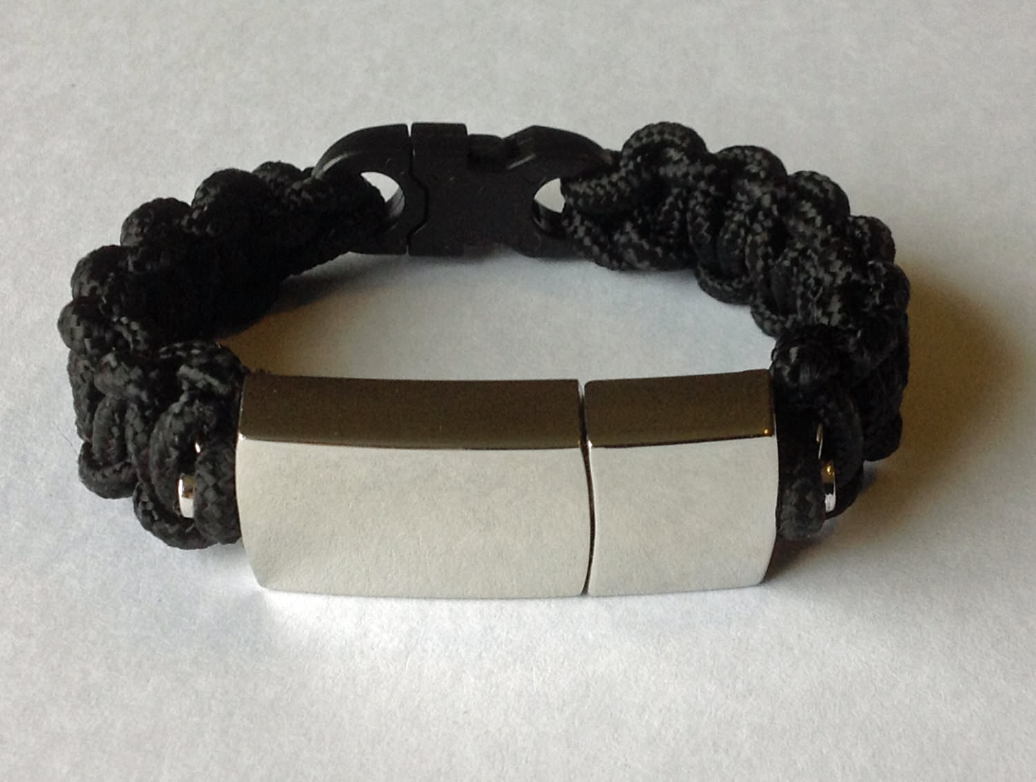 Easy Comforatable USB Bracelet