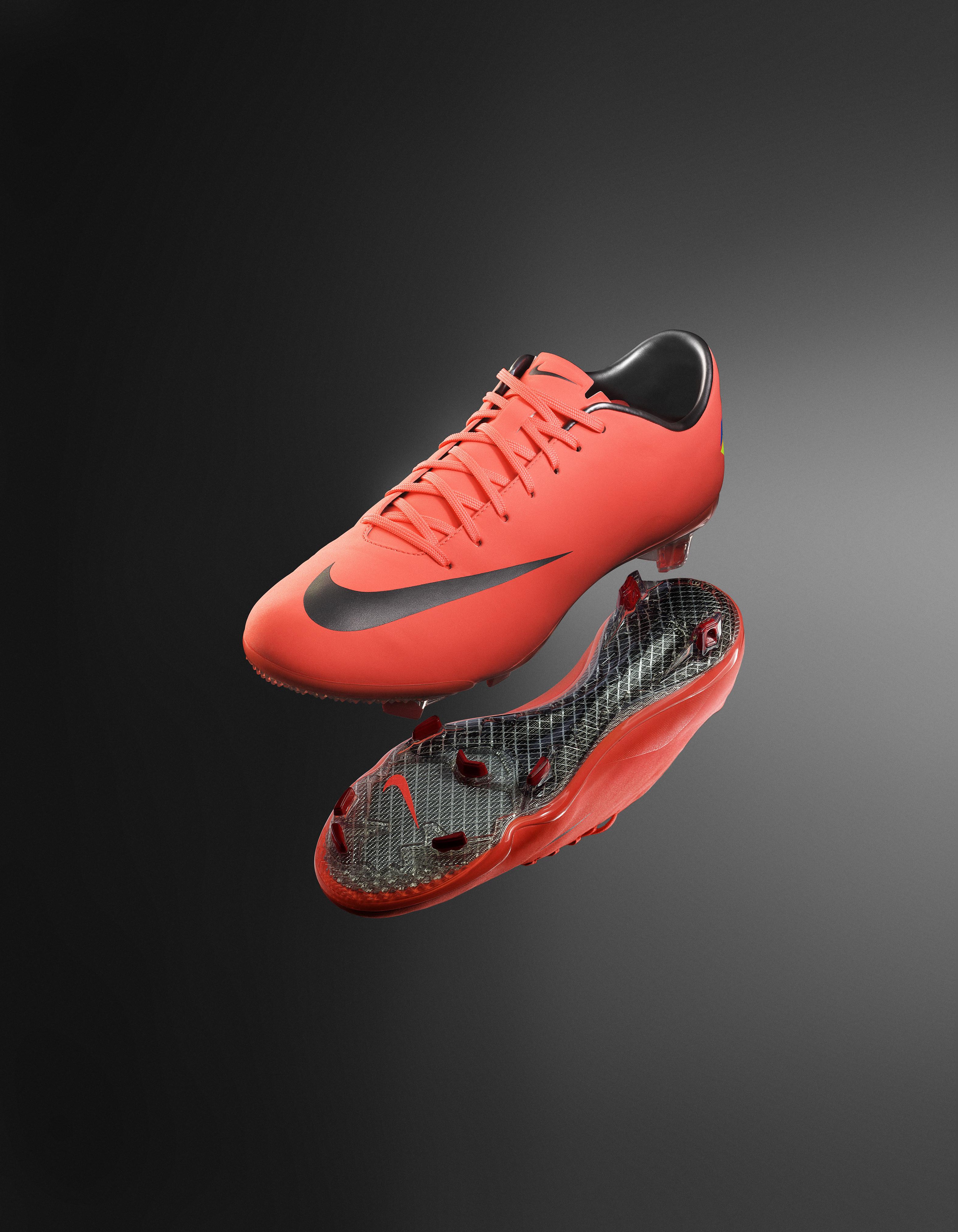Nike Vapor VIII Soccer Shoe