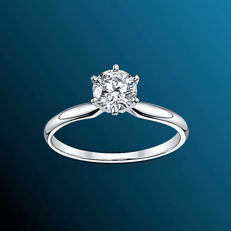Traditional Diamond Ring For Women.