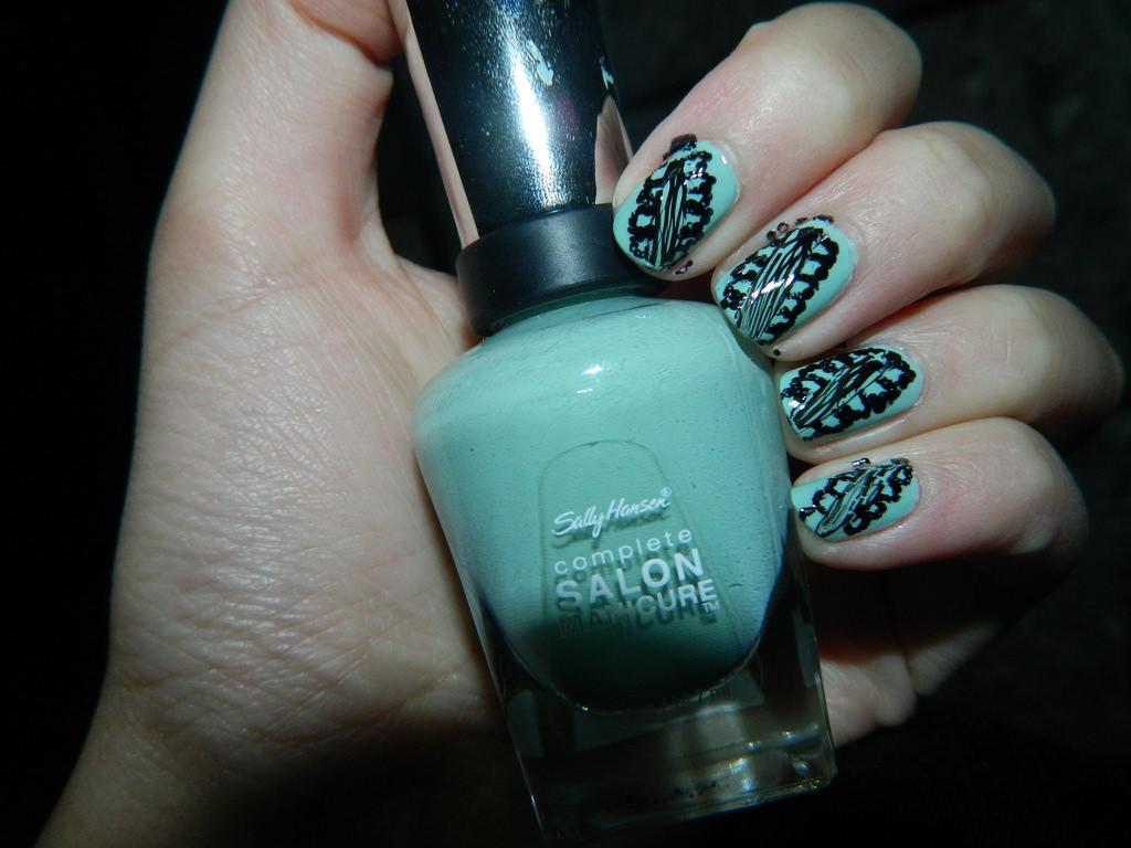 Green Nail Design