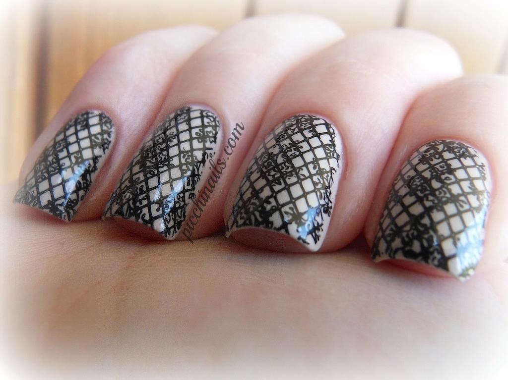 Lines Lace Design.