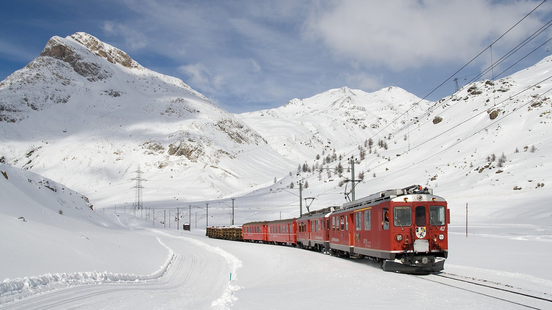 Snow Train Wallpaper