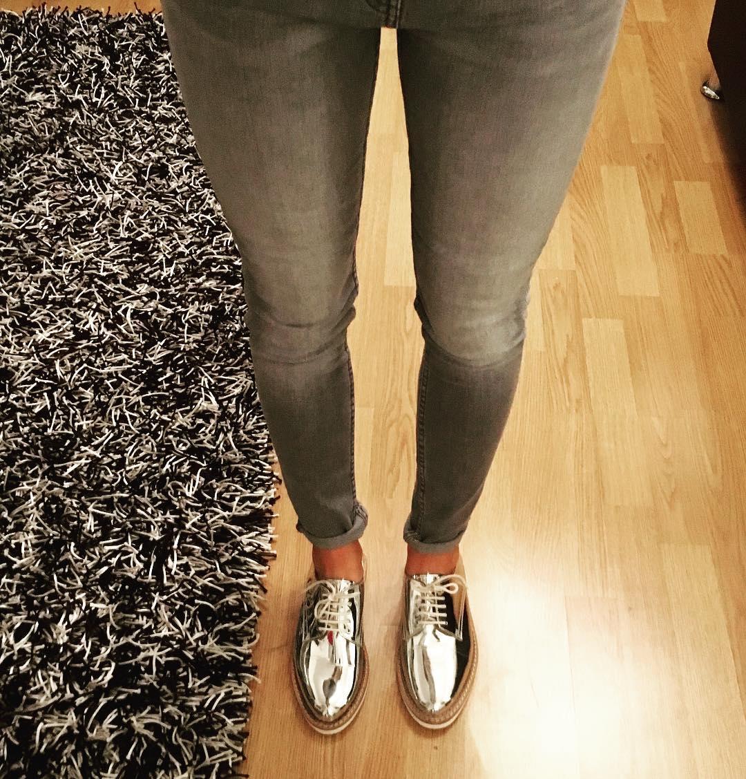 Beautiful Metallic Shoes For Women