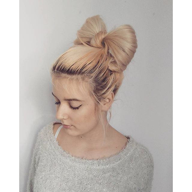 Pretty Bow Bun