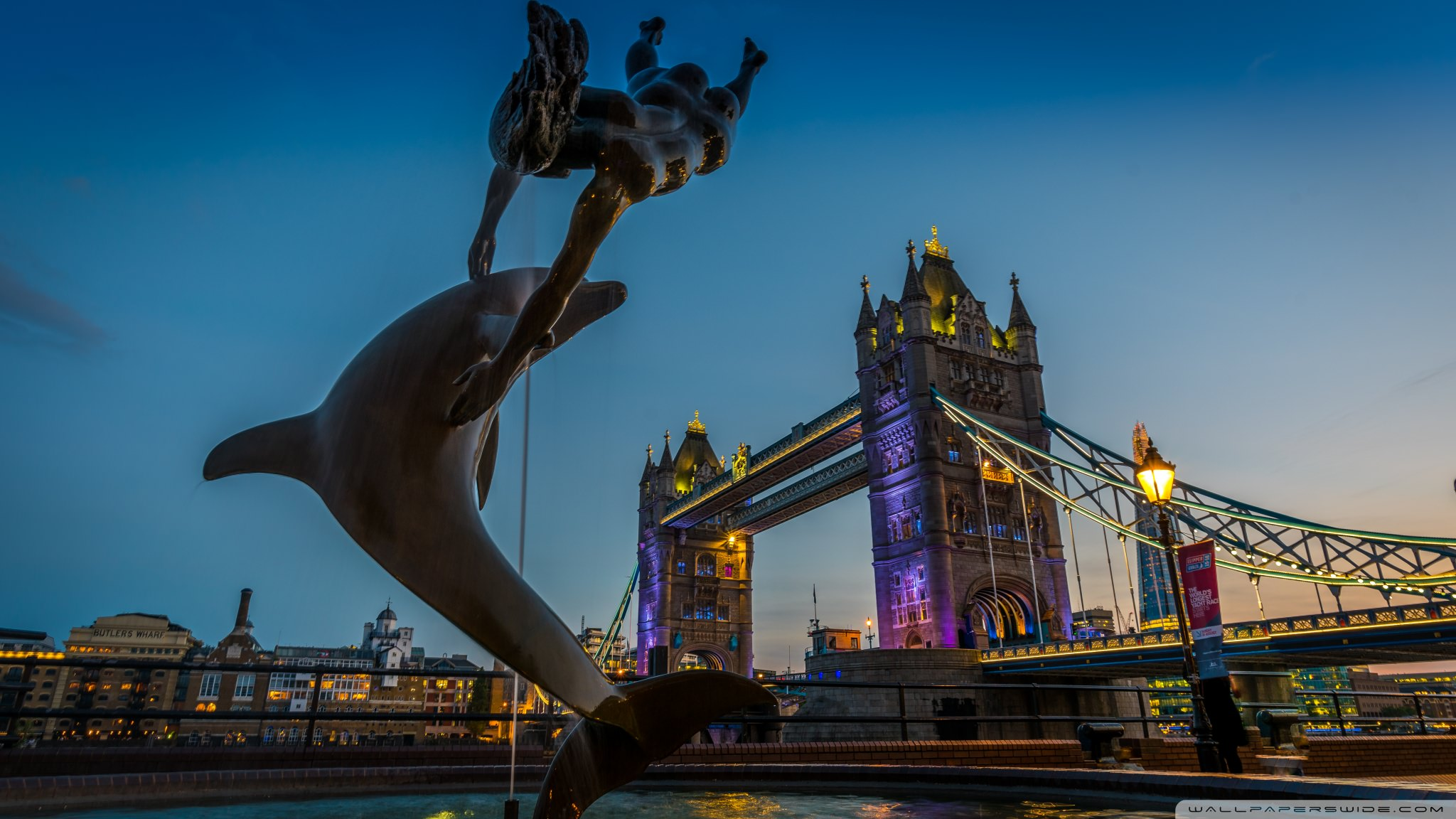 Tower Bridge Dolphin Statue DesktopWallpaper