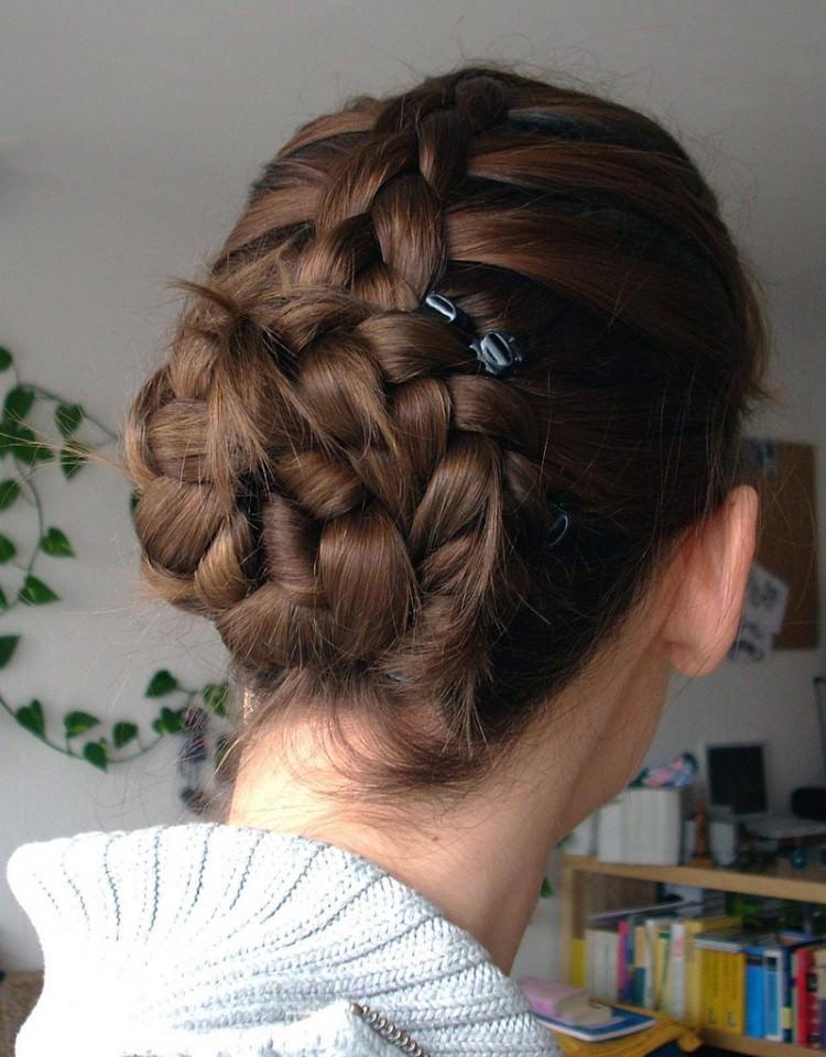 braided bun hairdo