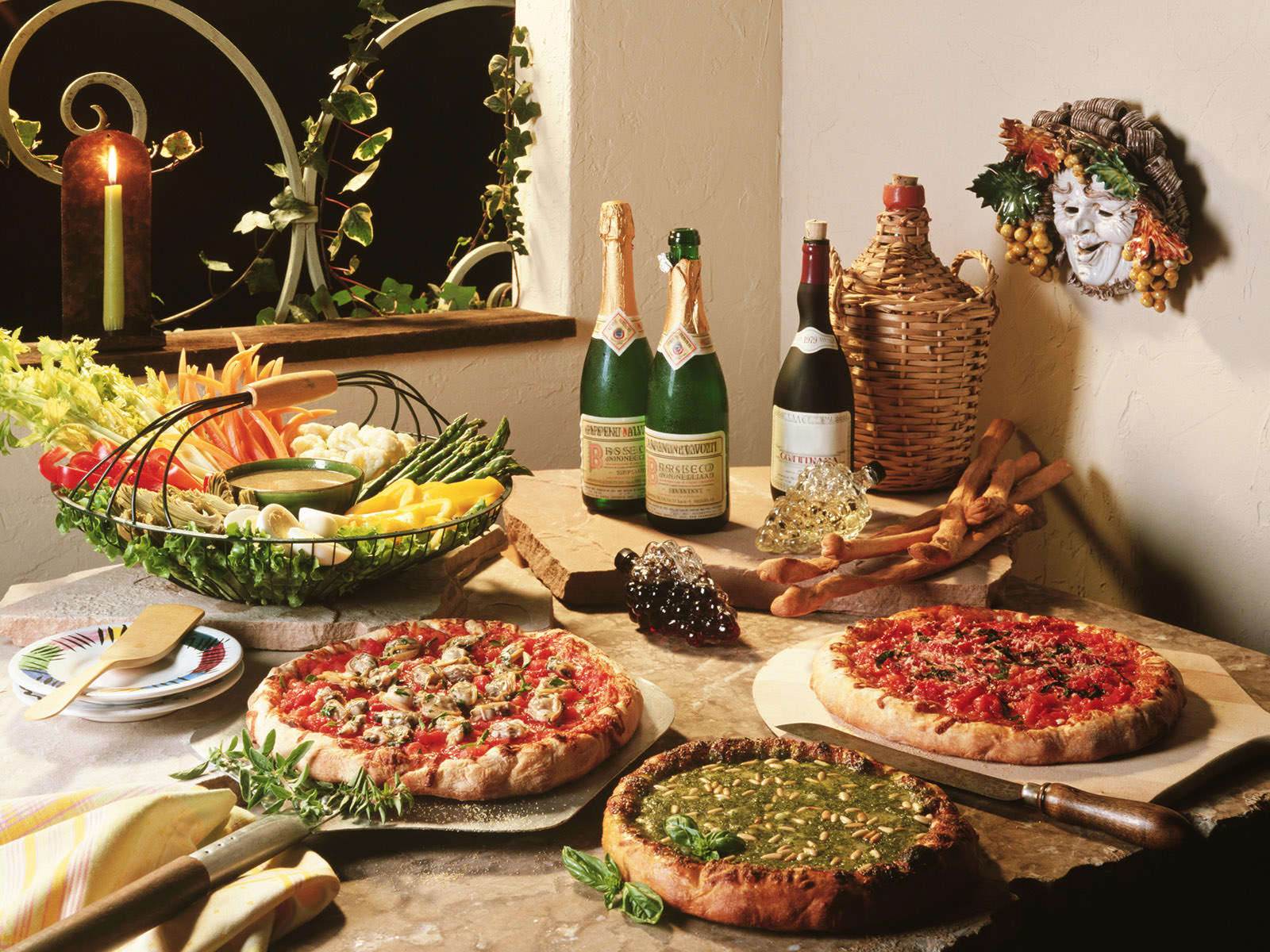 italian wine meal with pizza