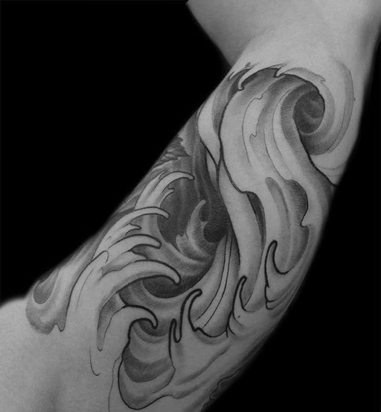 Pretty Waves Tattoo