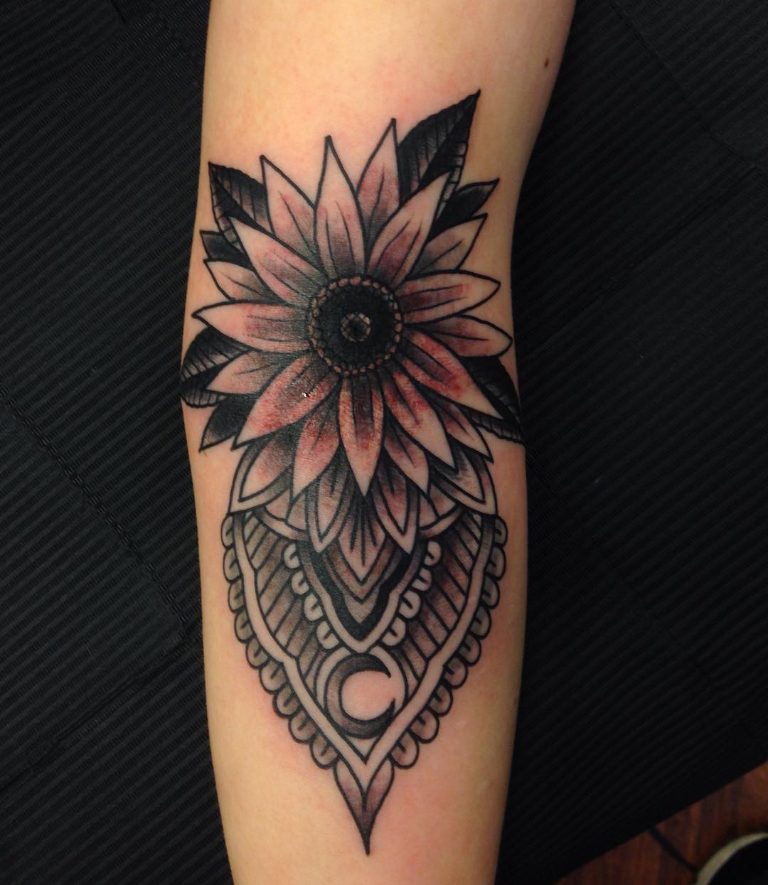 Traditional Tattoo of sunflower