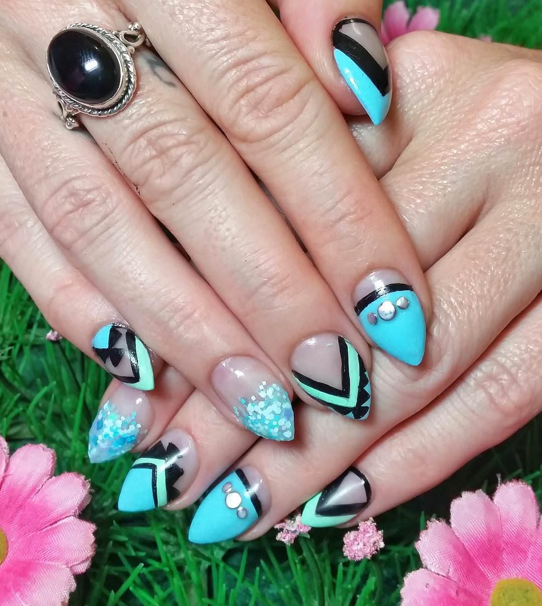 blue nail design2