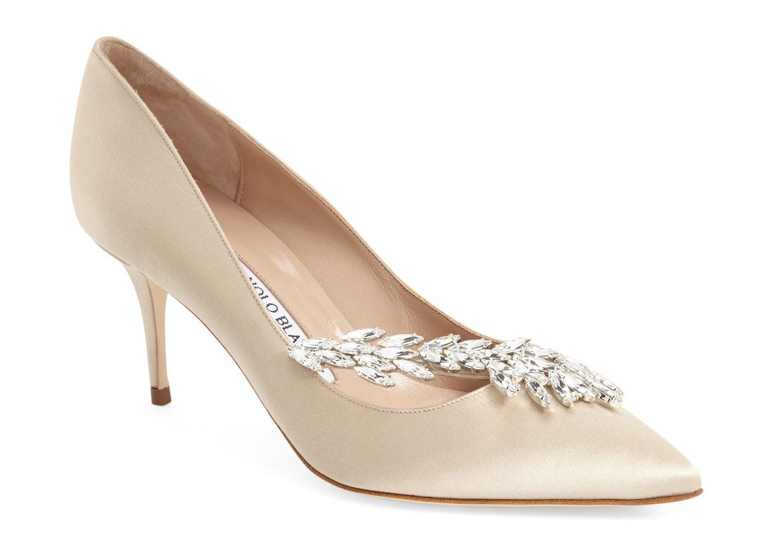 crystal embellished pointy toe shoe