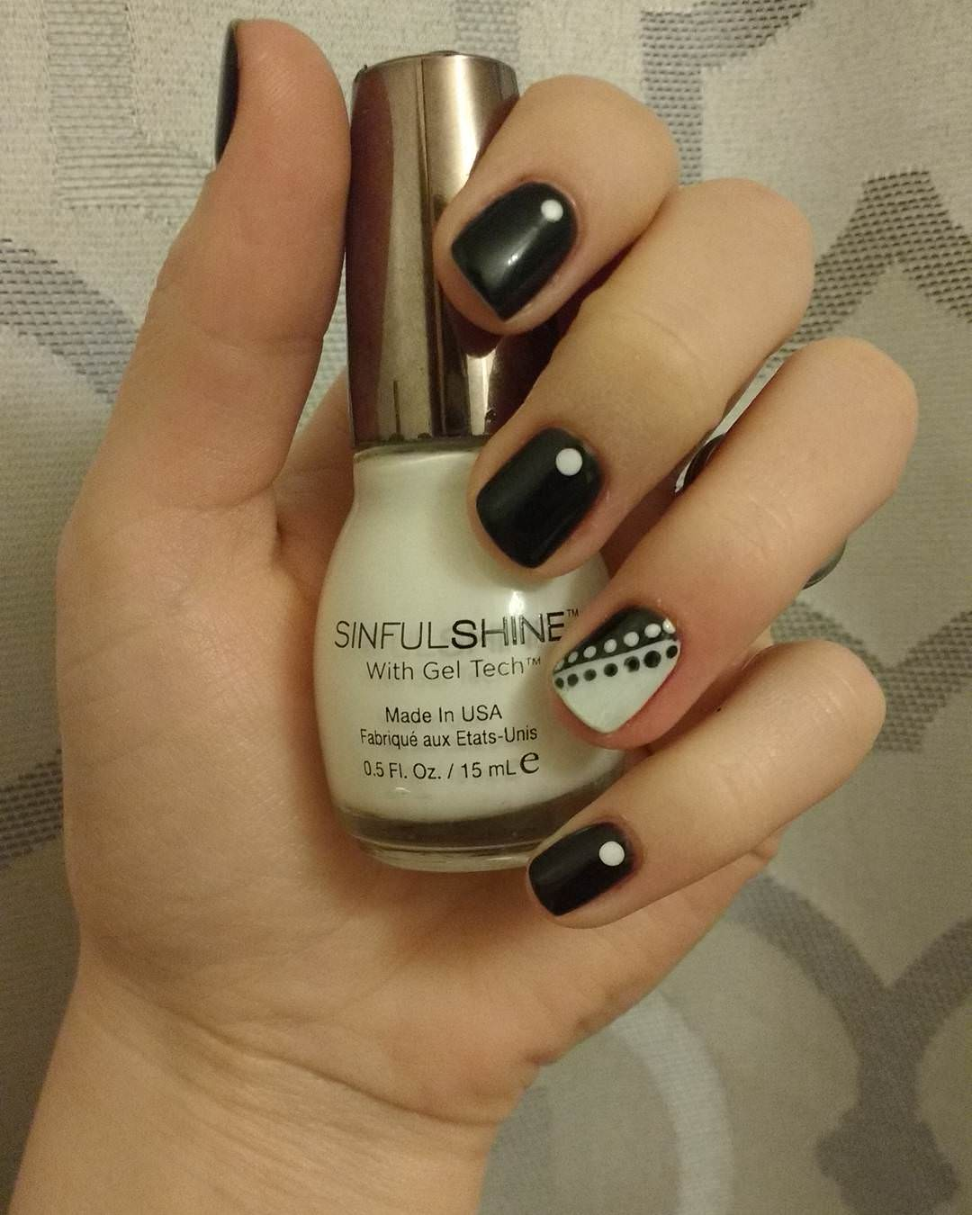 Simple Black & White Nail Art Design