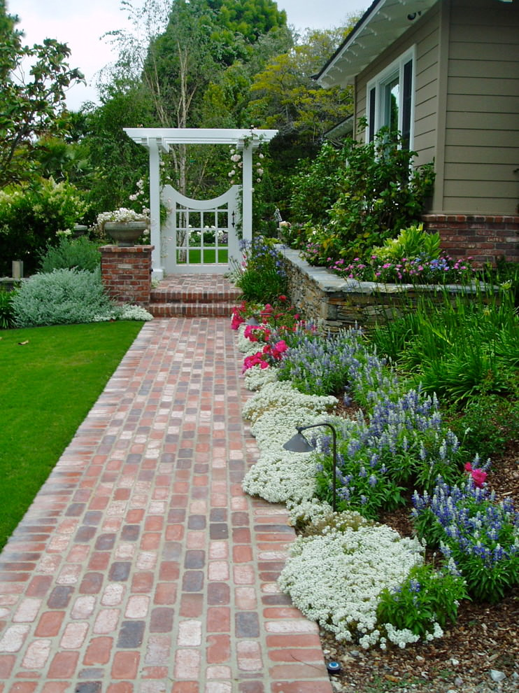 25+ Cottage Garden Designs, Decorating Ideas, | Design ... on Cottage Yard Ideas id=86522