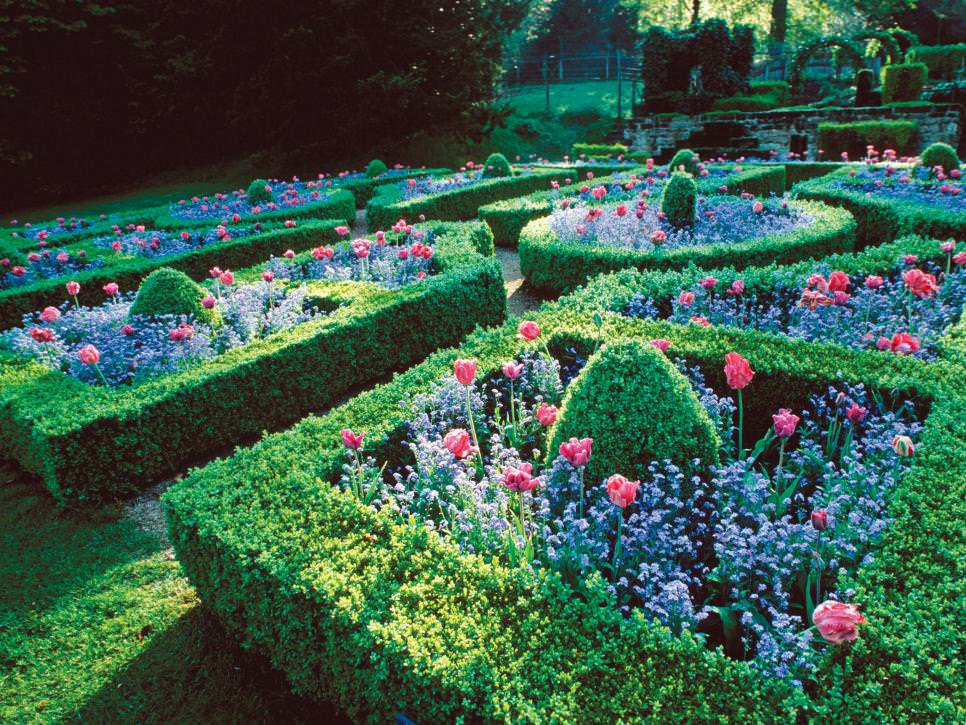 25 formal garden designs garden designs design trends for Unique garden designs