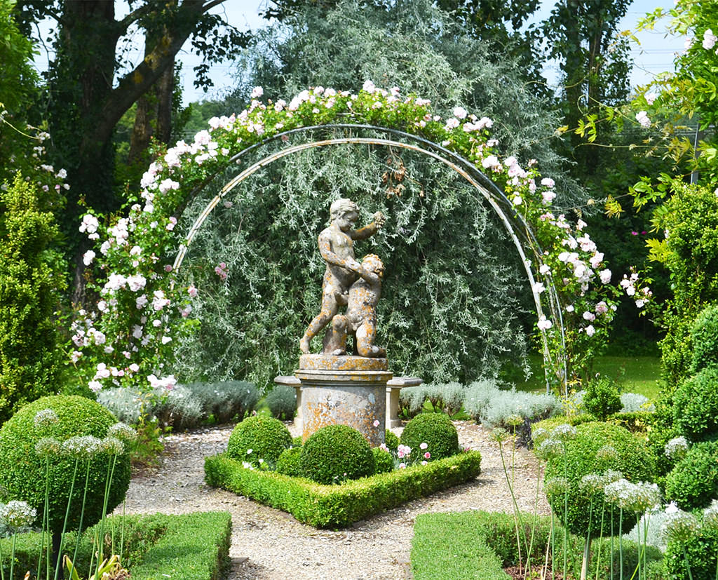 25+ Formal Garden Designs | Garden Designs | Design Trends