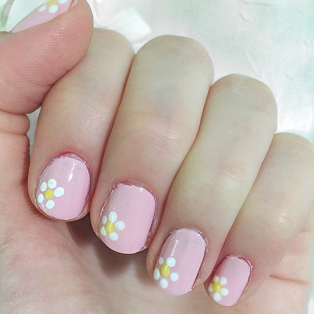 Light Color Nail Design