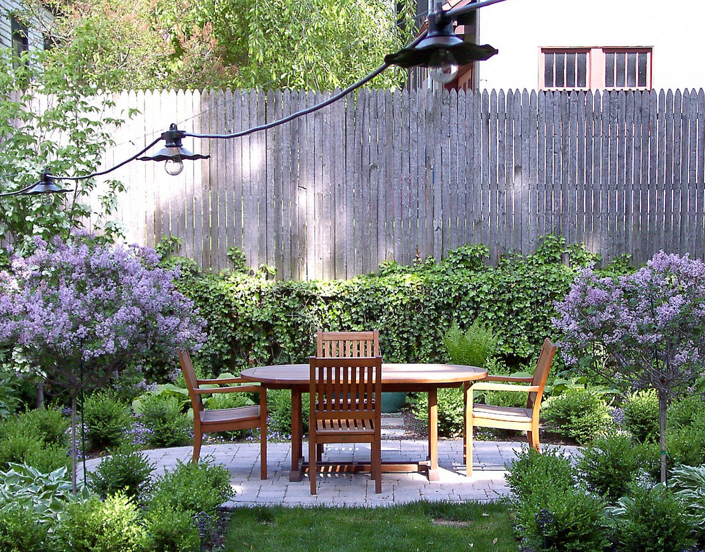 Small patio design design trends for Decoracion de patios pequenos