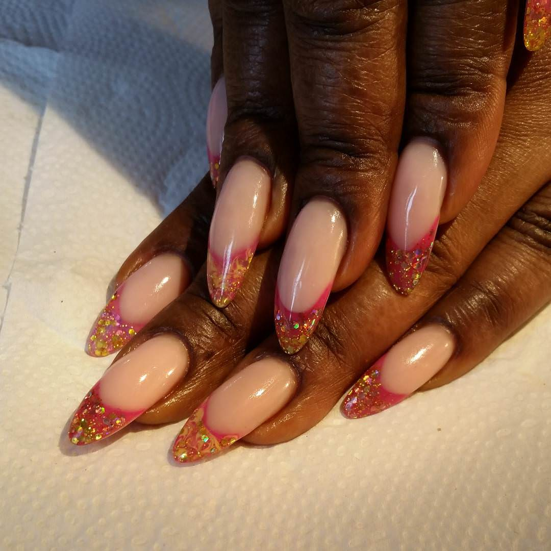 Pink & White Nail Design for Sharp Nails