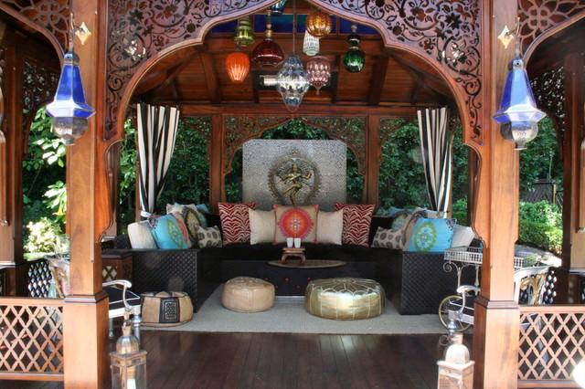 Asian-Moroccan-patio