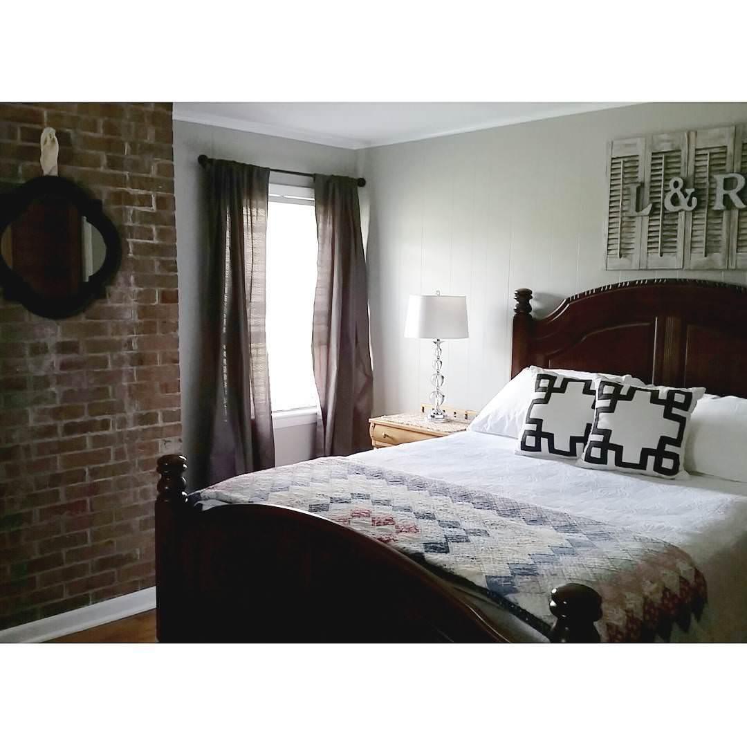 bricks blocks farm house bed room