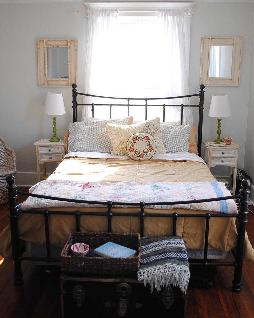 amazing farm house bedroom