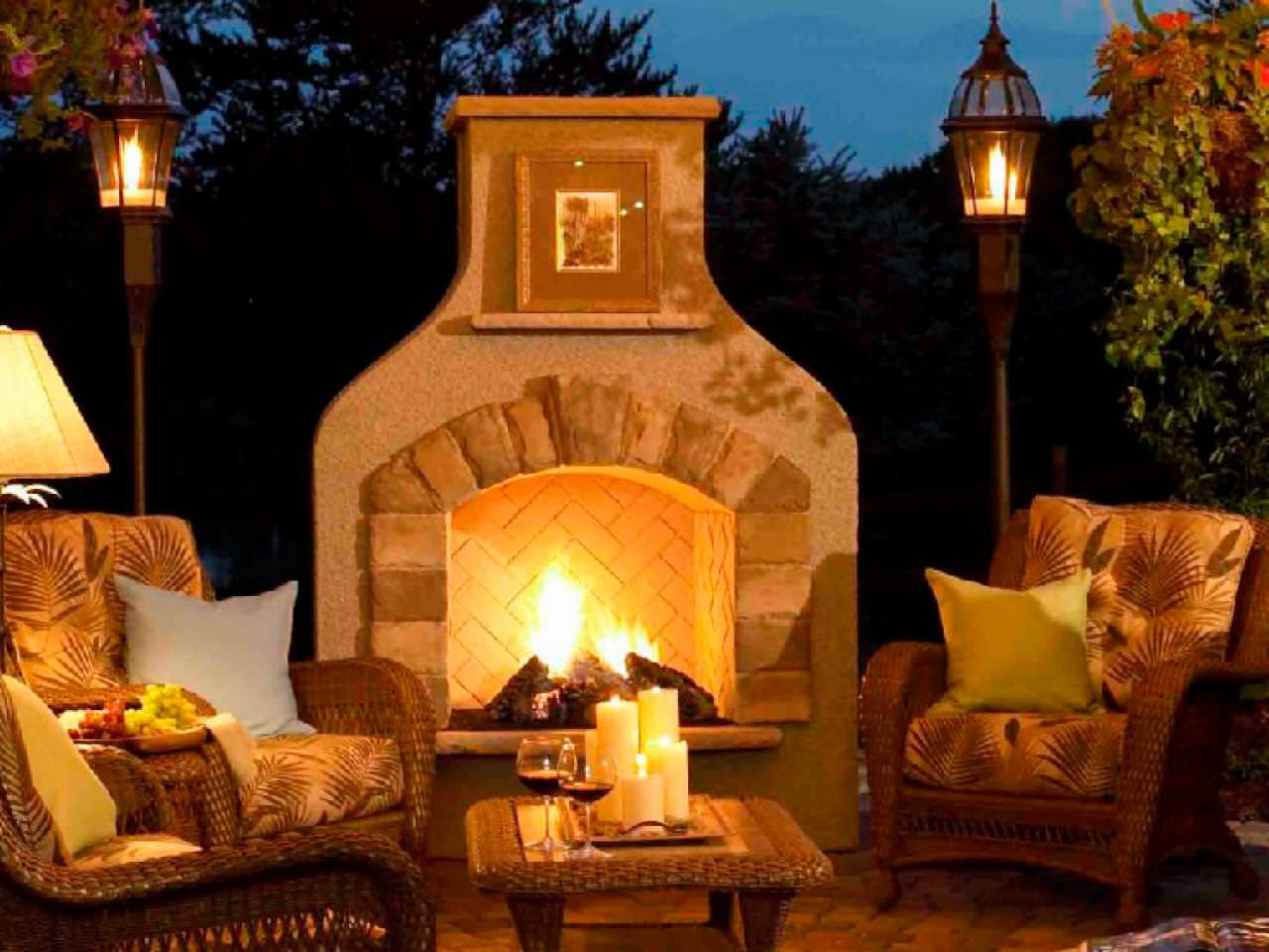 Outdoor-great-room-fireplace-lantern