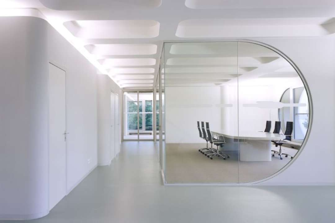 19 minimalist office designs decorating ideas design for Unique office interiors
