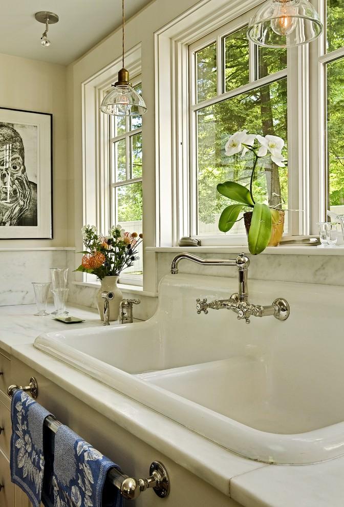 White Clean Kitchen Sink