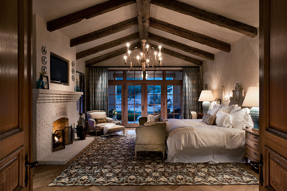 cavernous mediterranean bedroom
