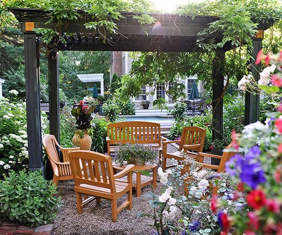 Trendy Townhouse garden Design