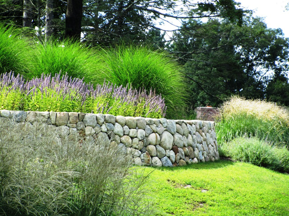 24 rock wall garden designs decorating ideas design for Grass bushes landscaping